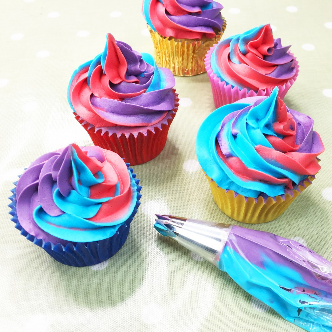 how to make coloured buttercream icing for cupcakes