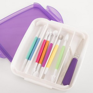 Wilton tool set cake decorating