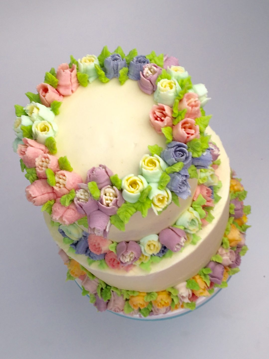 Piping Design Ideas On Side Of Cake