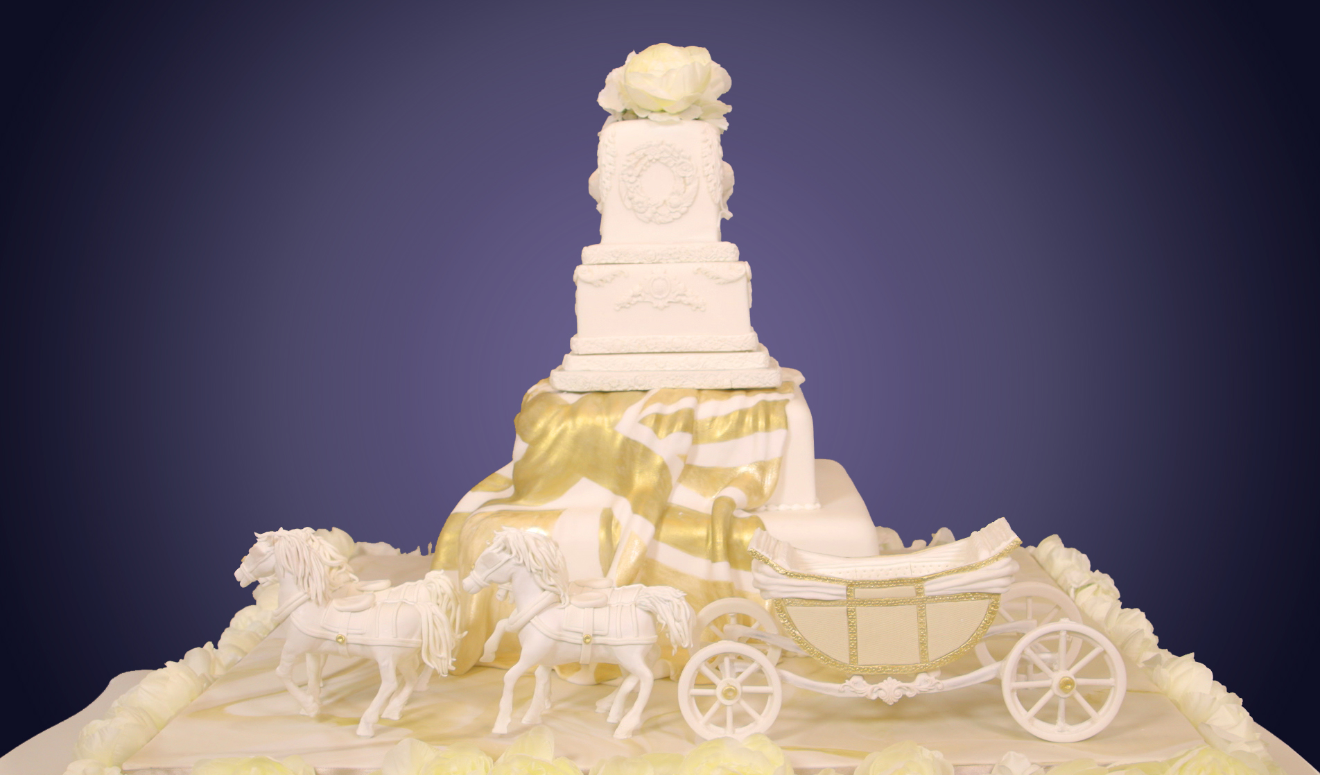 Royal Wedding Cake Special A Carriage For Harry And Meghan